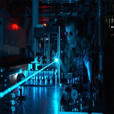 تحقیق در مورد کاربرد های نظامی لیزر